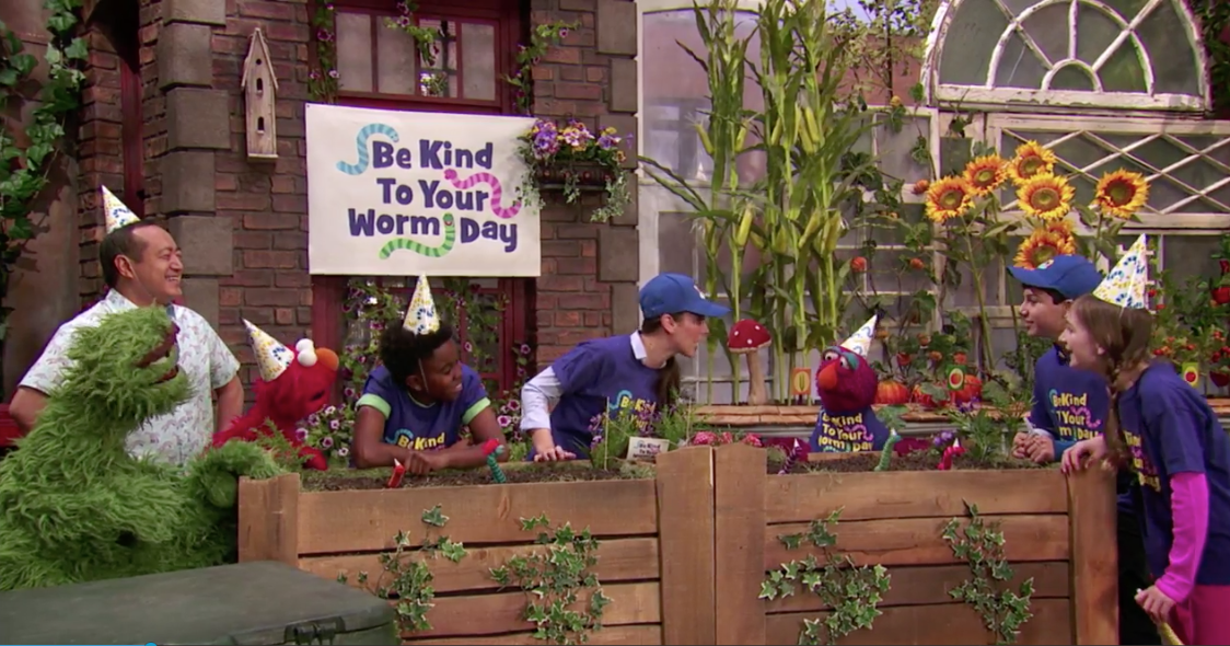 Worm Day: Banner, Shirts + Hats