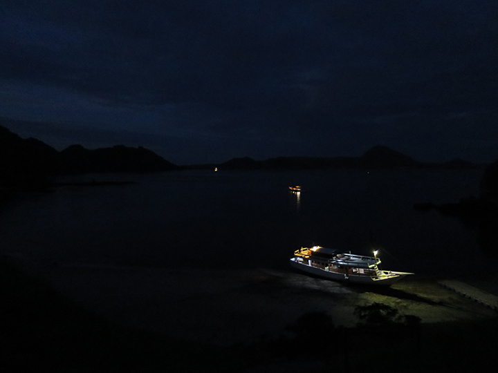 Goodnight, boat. The tides rolled back in during the early morning, freeing us to continue our adventure to The Grand Finale: Komodo Island.