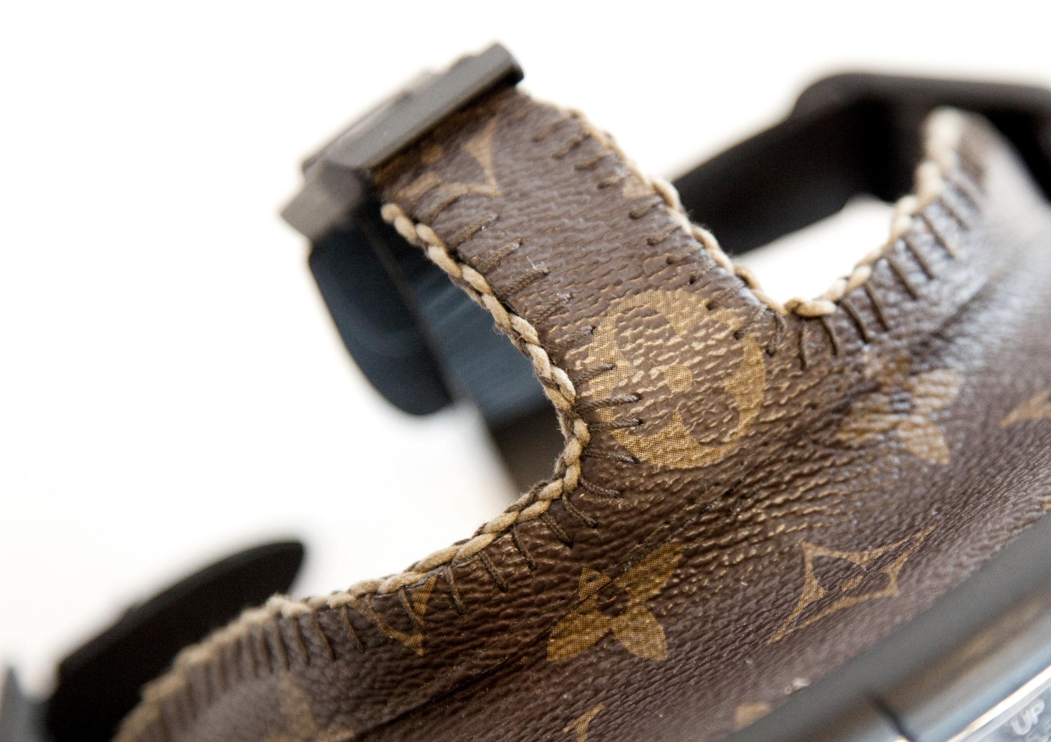 designer gas mask by Diddo close up