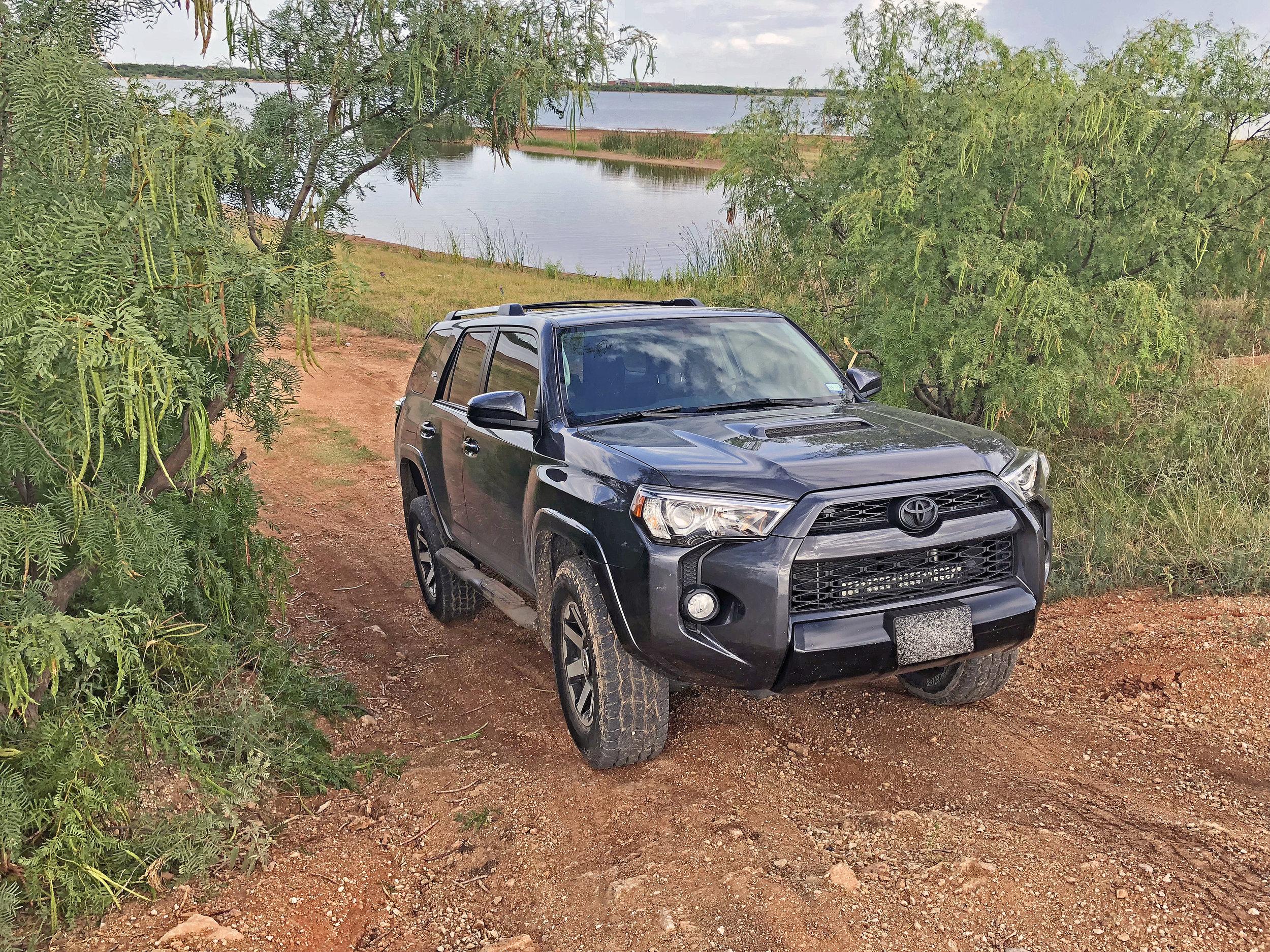 Kabar Kukri Toyota 4Runner
