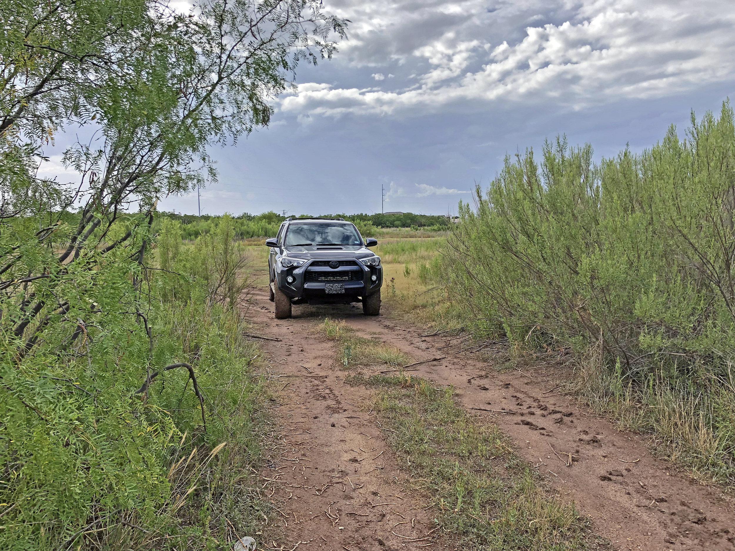 Toyota 4Runner Kabar Kukri