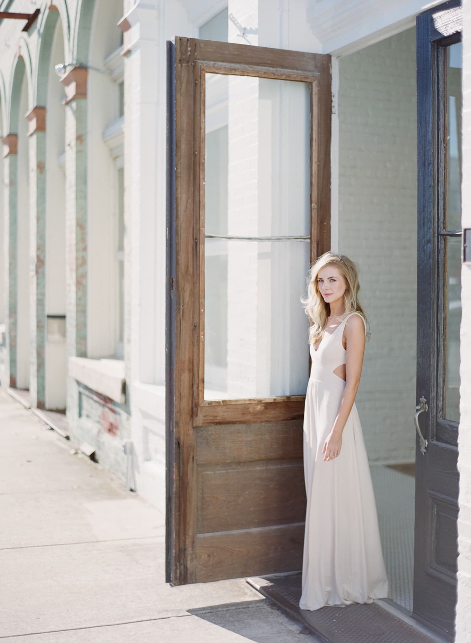 ONE_ELEVEN_EAST_MODERN_ENGAGEMENT_SHOOT_AUSTIN_TX_BY_MATTHEW_MOORE_PHOTOGRAPHY_00053.jpg