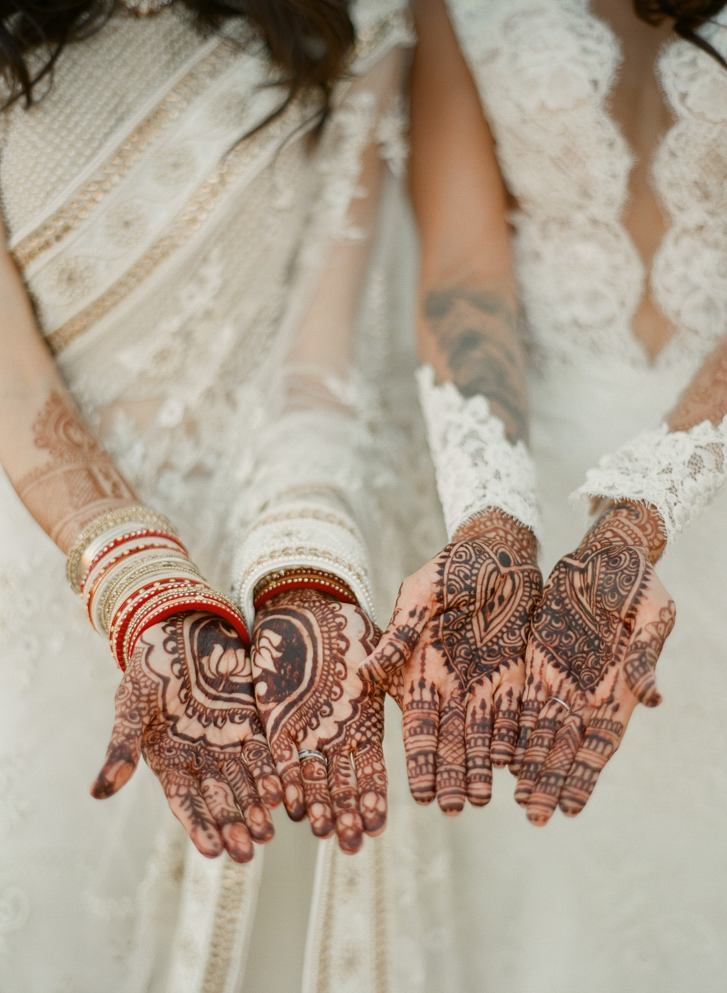 AUSTIN-MODERN-MONOCHROMATIC-INDIAN-WEDDING-00313.jpg