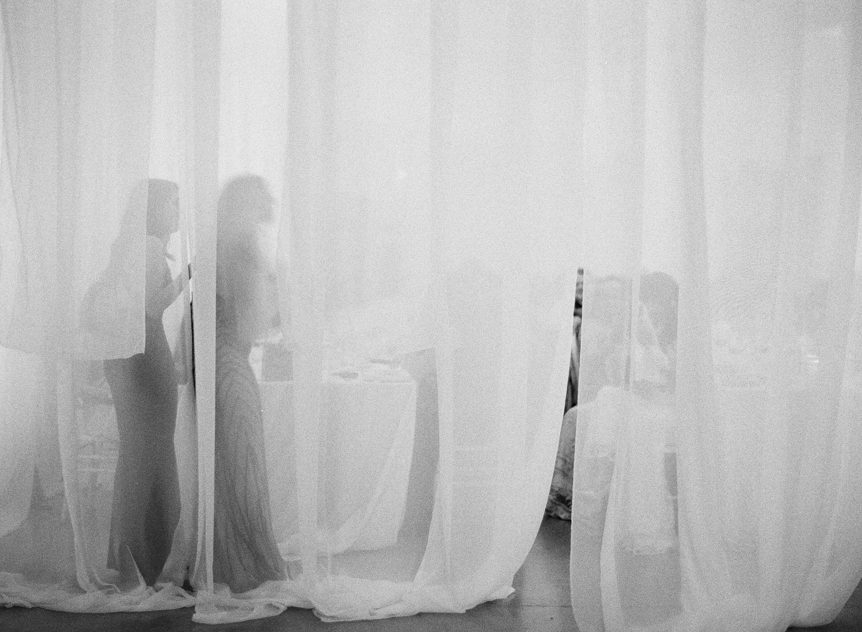 AUSTIN-MODERN-MONOCHROMATIC-INDIAN-WEDDING-00819.jpg