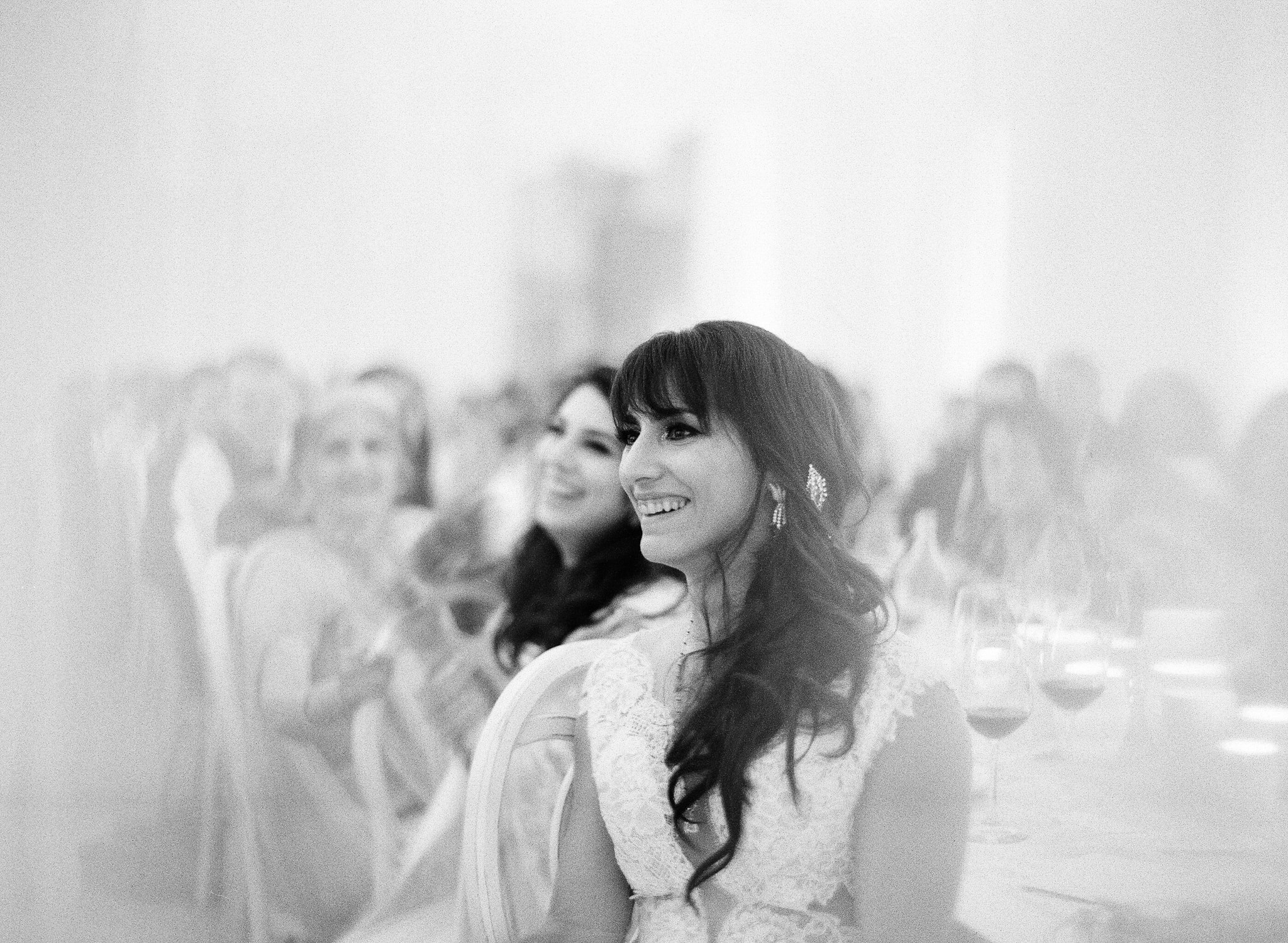 AUSTIN-MODERN-MONOCHROMATIC-INDIAN-WEDDING-00822.jpg