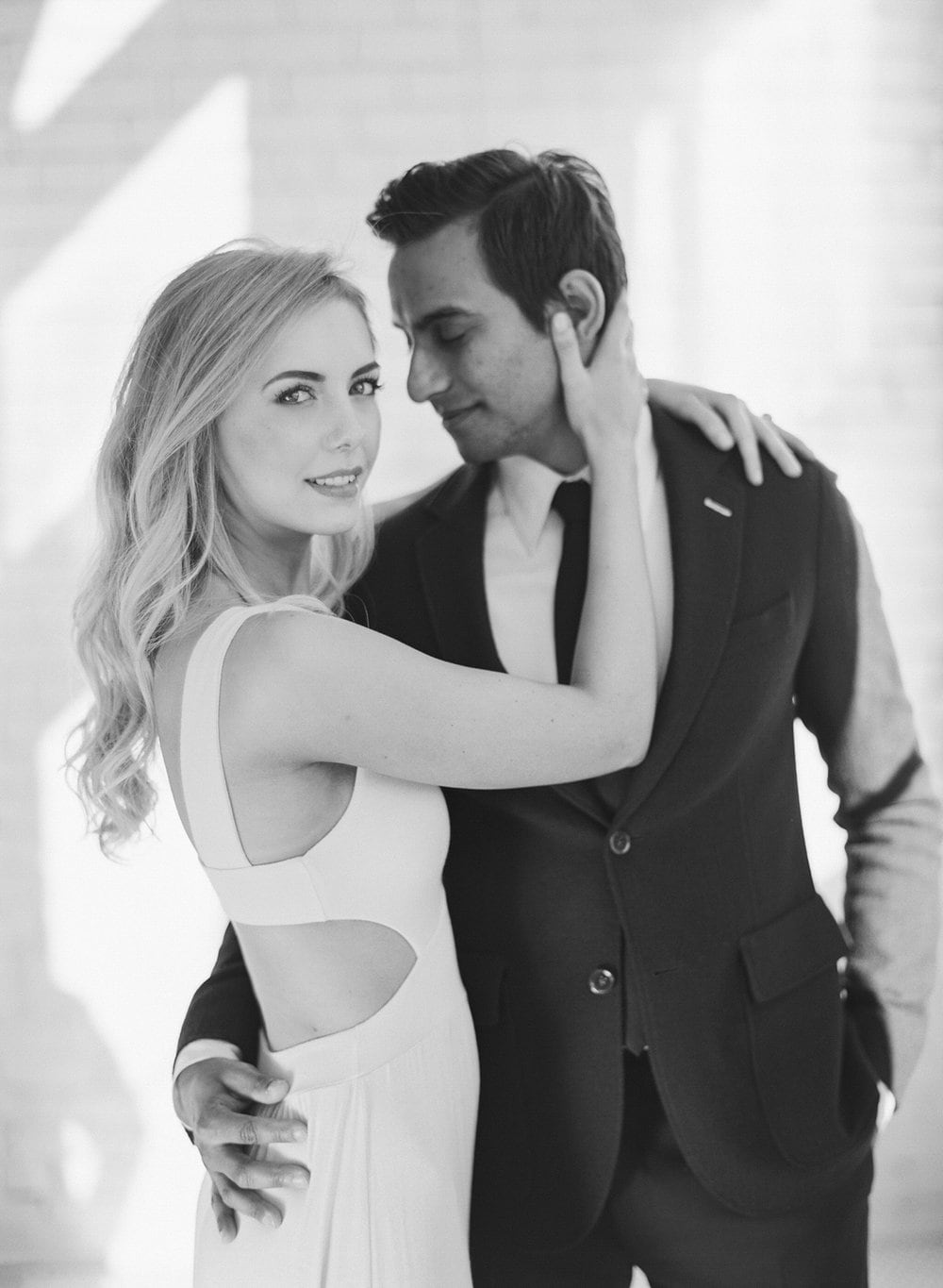ONE_ELEVEN_EAST_MODERN_ENGAGEMENT_SHOOT_AUSTIN_TX_BY_MATTHEW_MOORE_PHOTOGRAPHY_00011.jpg