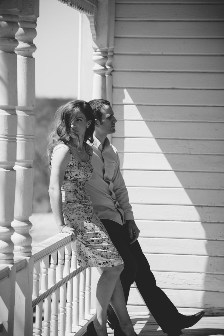 BARR_MANSION_ENGAGEMENT_SHOOT_BY_MATTHEW_MOORE_PHOTOGRAPHY_00027-2.jpg