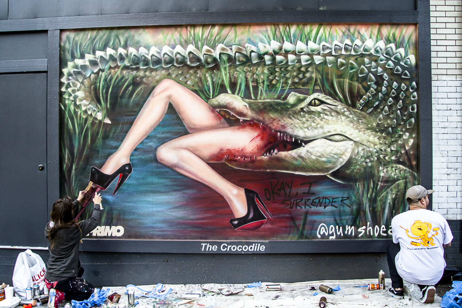 WISEKNAVE documentation for fine artist, Angela China 'GUMSHOE'. In Seattle while painting the mural 'Okay, I Surrender' on the Crocodile in Seattle, 2015. Sponsored by Art Primo and Treason Gallery. Gumshoe | WISEKNAVE.ARTDOC©