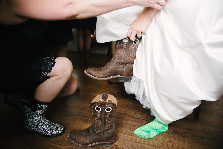 lva_mzyklindquist_burlington_wedding-4.jpg