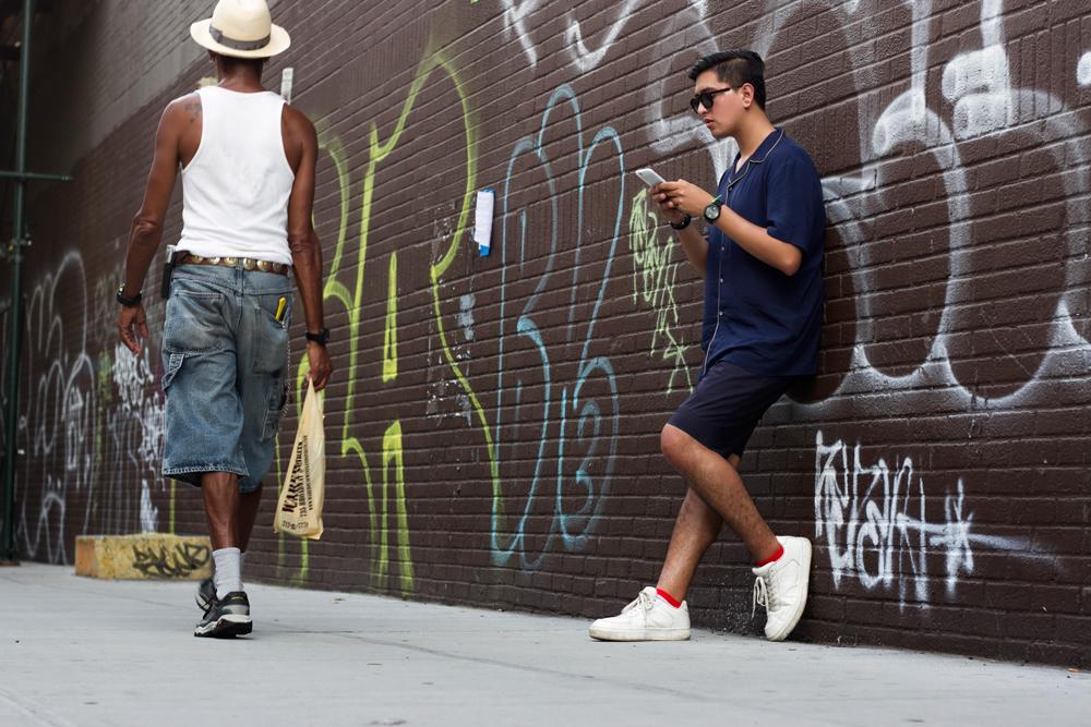 Camisa ZARA, Shorts JERRY CARCAMO, Zapatillas BERSHKA, Calcetines G&R SOCKSWEAR, Gafas de Sol ALDO