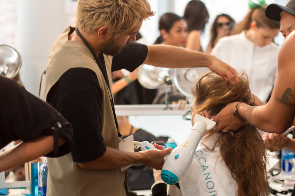backstage monique lhuillier moda honduras jose vargas fashion new york fashion week street style photographer detras de camaras maquillaje pelo hair and makeup