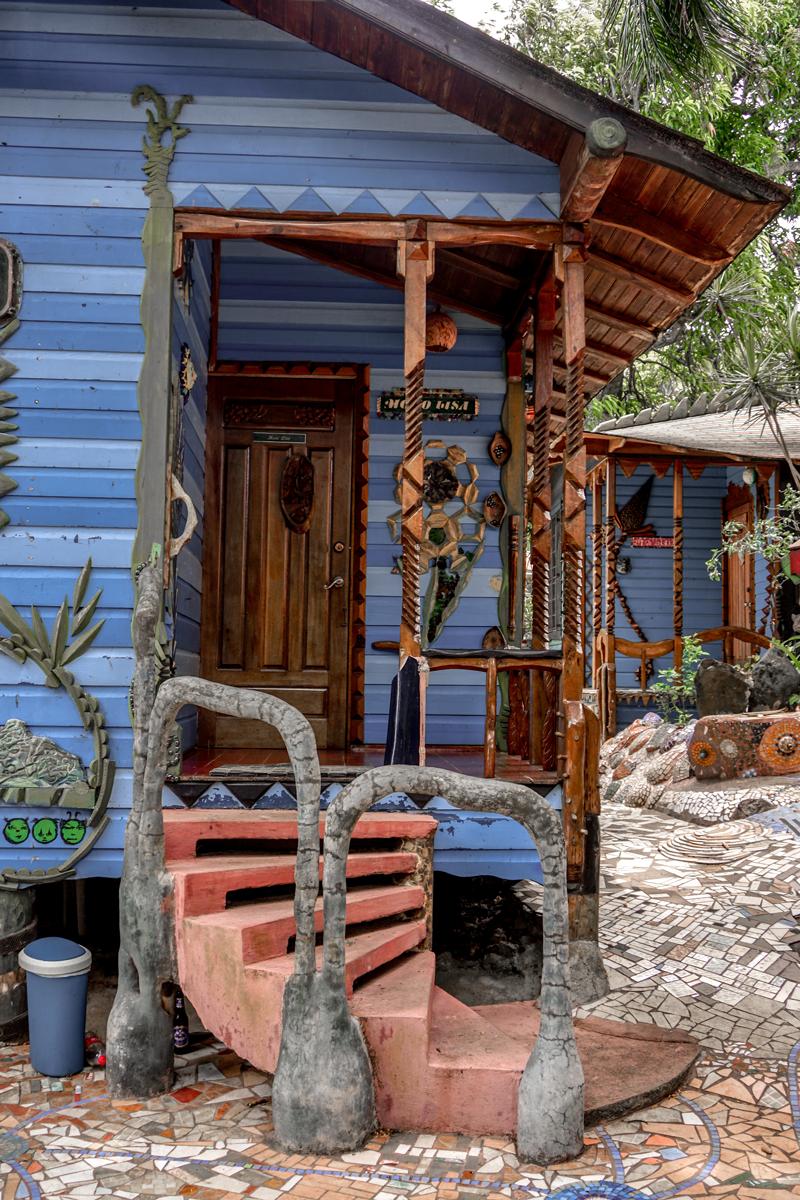 jade seahorse  Utica honduras visithonduras roatan jose vargas blog blogger travel viajes verano islas caribe latinos jardines playa
