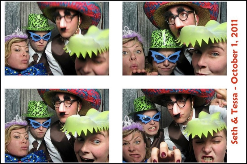 The 4x6 Photo Booth prints make great party favors!