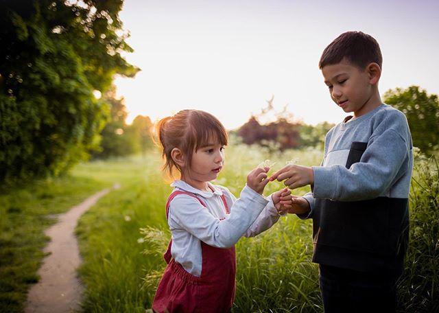 Just because I love them so ♡ . . Photography @wigglypigletphotography . . . #handmadebusiness #babyaccessories #babygifts #babyshowergifts #newbabygifts #newbornbaby #surreymama #mamamakes #spprtsisters #madeinsurrey #surreyphotographer #sunsetshoot #surreyphoto #springflowers #etsysurrey #calledtocreate #bundlesoflove