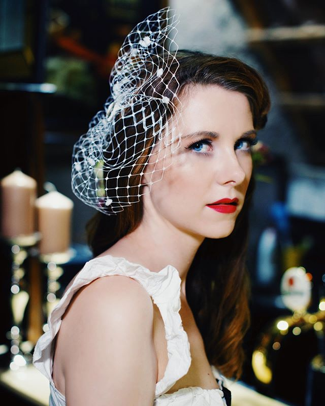 Classy♥️ . Model: @luckasrbova9  Designer: @pearlfashiondesigner  Headpieces: @fascinatorylb  MUA&Hair: @jancamakeupartist  Location: @hhotelsgroup  Photography:@shupolina_ . #fashionphotography #girl #vogue #numeromagazine #lamode #elegantmagazine #dazedmagazine #postmypicsticks #model #nonmodel #redhead #tendermag #fashionphotographer #queen #glamour #oldhollywood #hollywood #prague #czechgirl #czblogger #fashionblogger