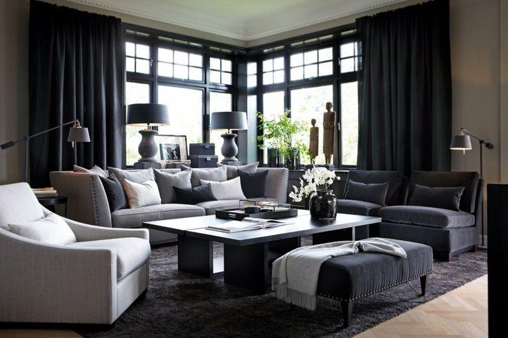 Bilde lånt fra slettvoll.no. Sofa Leopold, pall Windemere, stoler uten armlen Dorian, Stol med armlen Conrad, sofabord 2 stk Flo.