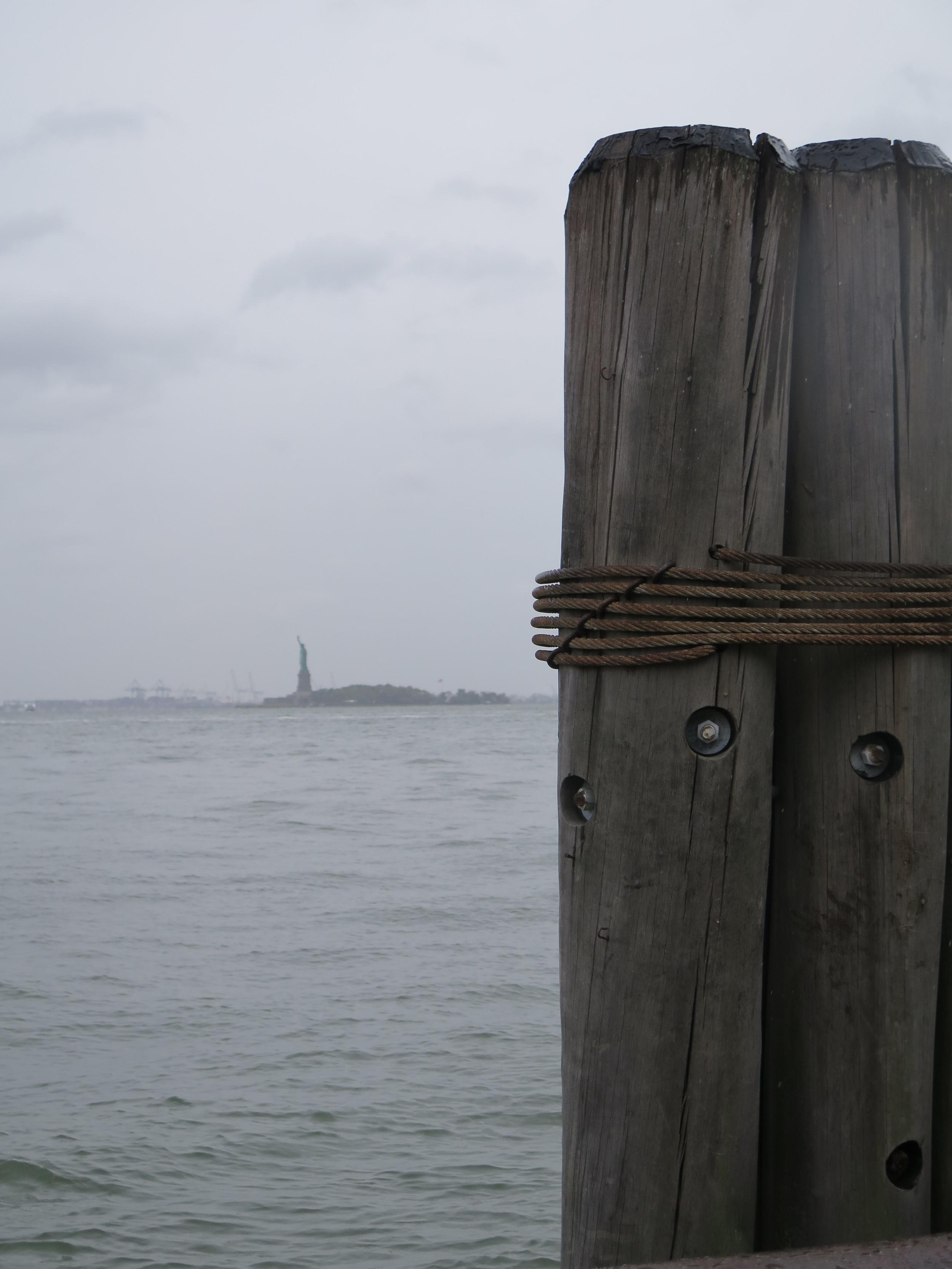 Utsikt over til Statue of Liberty fra Battery Park. Hun var mindre enn jeg hadde forestilt meg...
