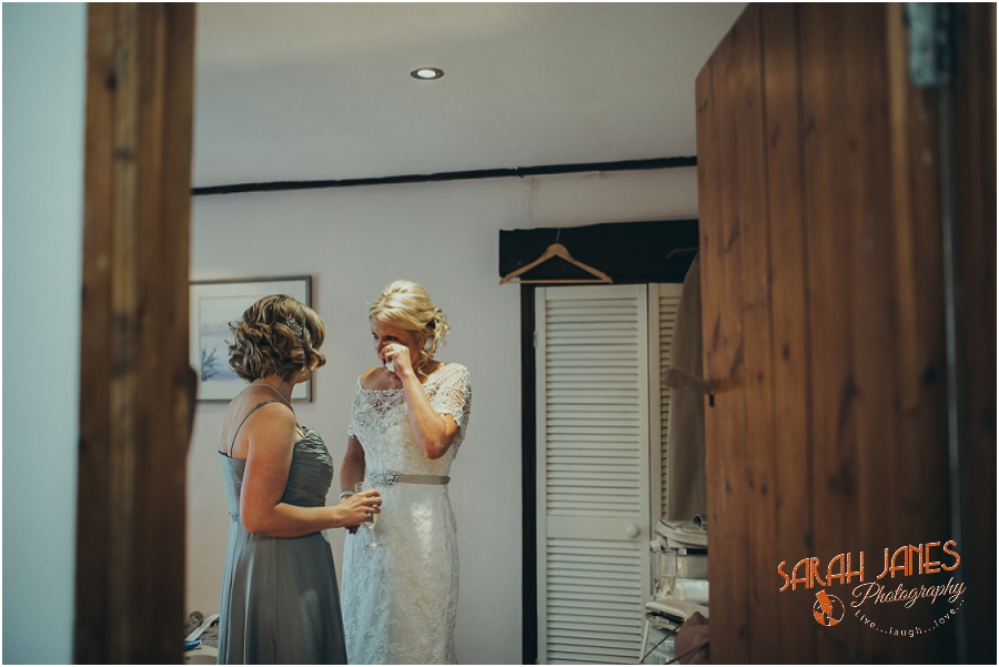 Wedding photography at the Great Tythe Barn, Tetbury, Sarah Janes Photography, Cotswolds wedding photography_0020.jpg