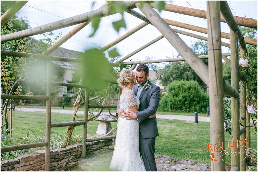 Wedding photography at the Great Tythe Barn, Tetbury, Sarah Janes Photography, Cotswolds wedding photography_0045.jpg