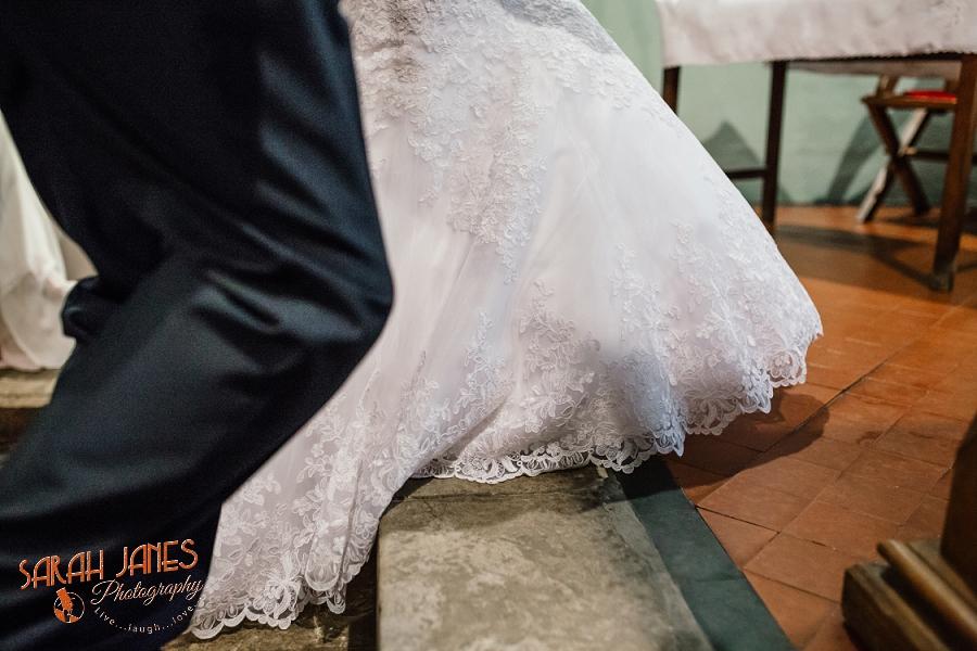 Wedding photography in Shropshire, Farm wedding, Sarah Janes photography, Documentray wedding photography Shropshire_0016.jpg