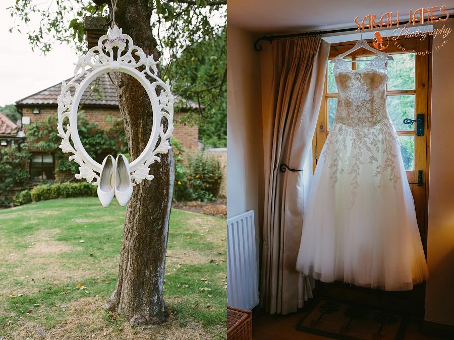 Sarah Janes Photography, Surrey wedding photography, wedding photography in Surrey, Wedding photography at Oaks Farm Weddings_0001.jpg