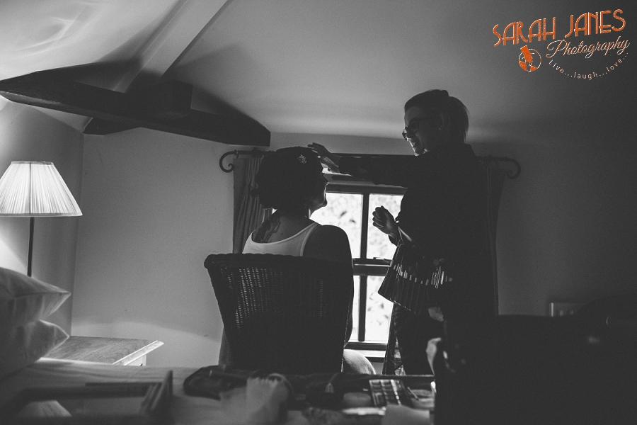 Sarah Janes Photography, Surrey wedding photography, wedding photography in Surrey, Wedding photography at Oaks Farm Weddings_0016.jpg
