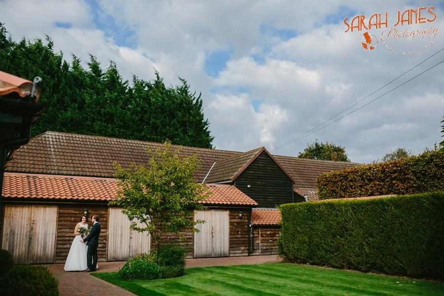 Sarah Janes Photography, Surrey wedding photography, wedding photography in Surrey, Wedding photography at Oaks Farm Weddings_0023.jpg