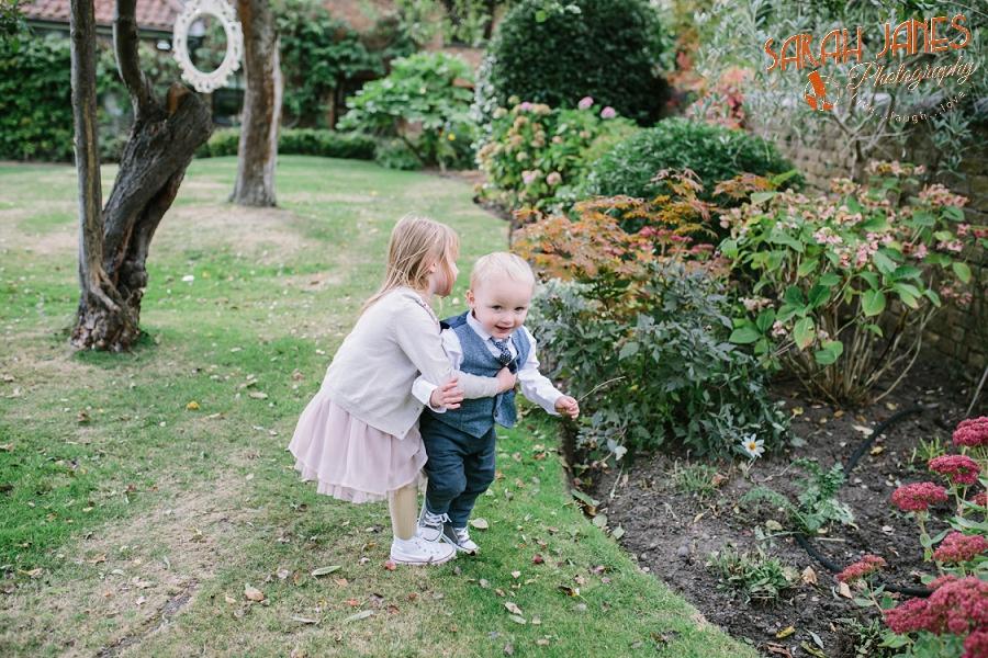 Sarah Janes Photography, Surrey wedding photography, wedding photography in Surrey, Wedding photography at Oaks Farm Weddings_0034.jpg
