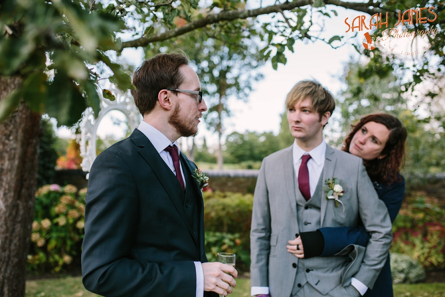 Sarah Janes Photography, Surrey wedding photography, wedding photography in Surrey, Wedding photography at Oaks Farm Weddings_0035.jpg