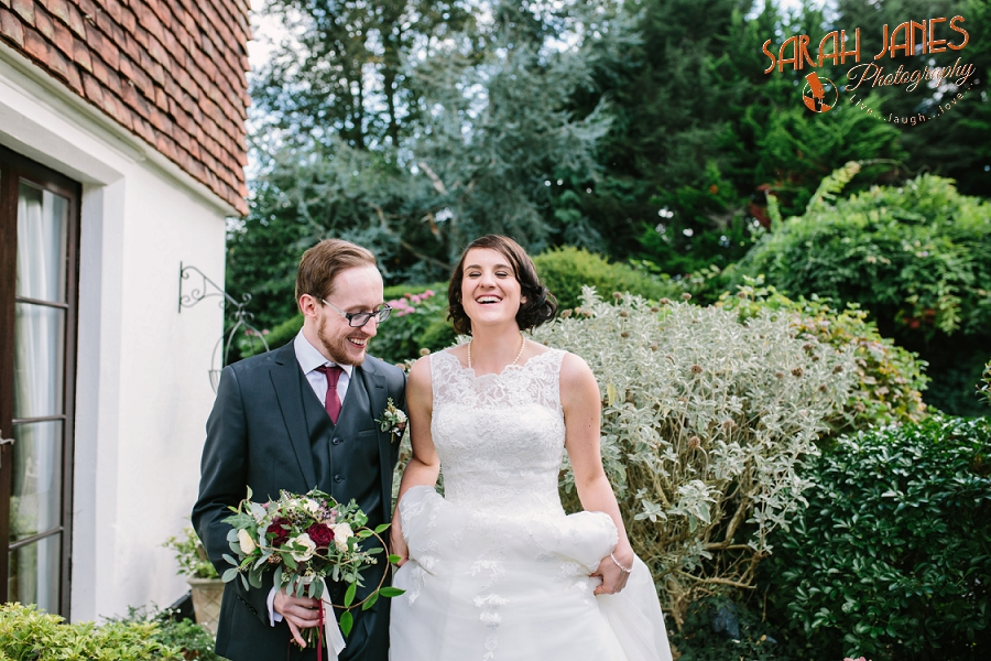 Sarah Janes Photography, Surrey wedding photography, wedding photography in Surrey, Wedding photography at Oaks Farm Weddings_0046.jpg