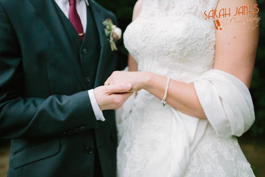Sarah Janes Photography, Surrey wedding photography, wedding photography in Surrey, Wedding photography at Oaks Farm Weddings_0055.jpg