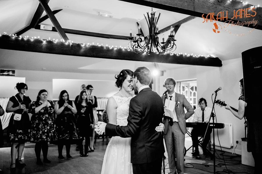 Sarah Janes Photography, Surrey wedding photography, wedding photography in Surrey, Wedding photography at Oaks Farm Weddings_0072.jpg