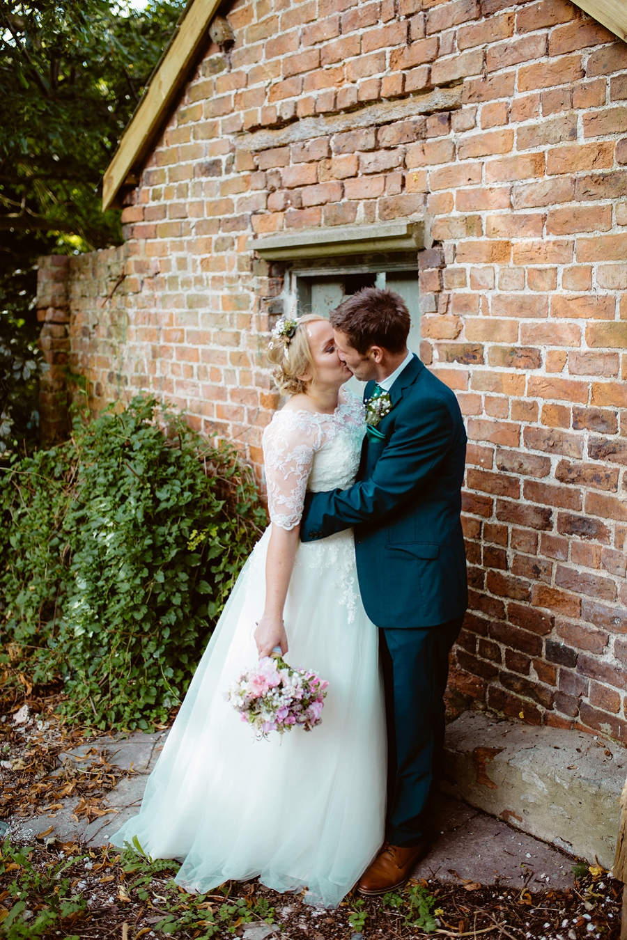 Sarah Janes Photography, Wedding photographer Chester, London, Sheffield, Wirral, Wrexham, Liverpool, Natural wedding photography, Quirky, documentary_0320.jpg