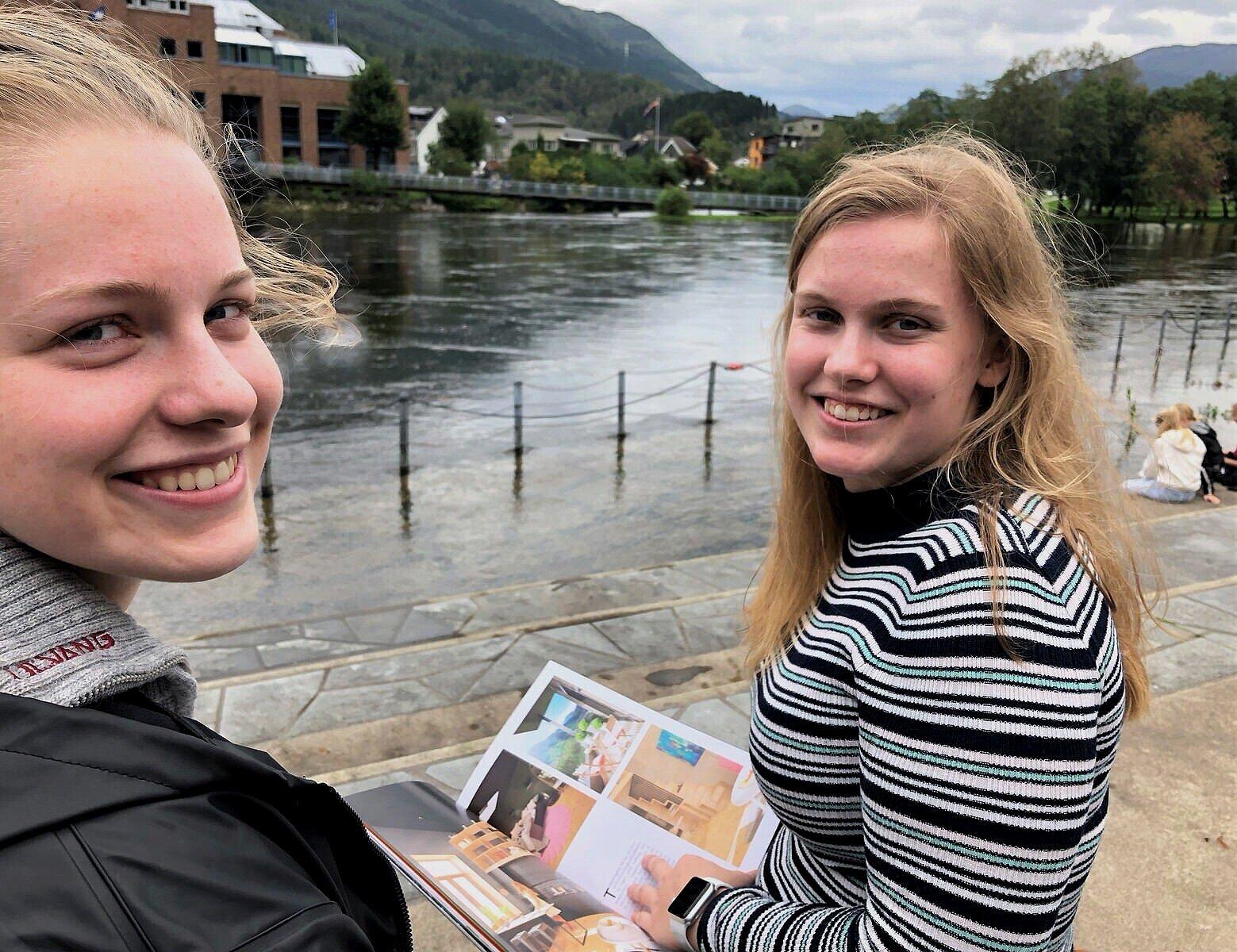 - PRAKTISK OG KOSELEG: Hanne Lovise Johansen (t.v.) og Ingeborg Krogsæter hadde ikkje takka nei til ei studioleilegheit.