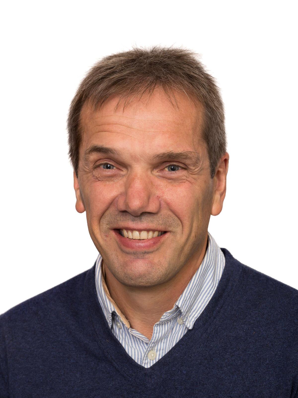 Asbjørn Osland - Tittel: KS/ HMS/ IKT-ansvarlegMobil tlf: 91 66 75 60E-post: ao@gravdal.no