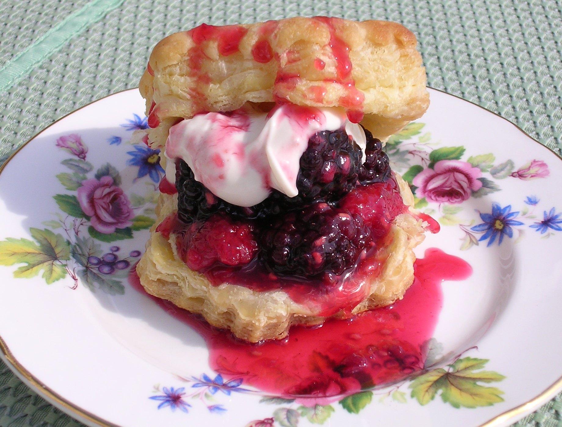 Love Life and Lollipops- Vegan Berries 'N Cream Pastry