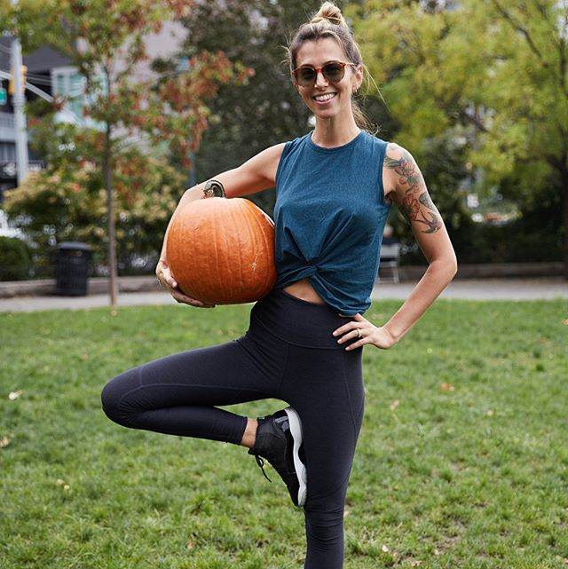 So so so many Halloween plans on top of tomorrow's @soulcycle classes this weekend! • One of which is my neighborhood's supercool Harvest Fest which we'll be attending between classes and the school haunted house... Here are the deets if you wanna join: Date:  October 28, 2017 Time:  11am - 4pm Venue:  Hudson River Park's 14th Street Park on Tenth Ave bet 14th + 15th Sts RSVP + general info: www.meatpacking-district.com/events/harvestfest/ • #halloween  #harvest #happygirl  #harvestfestny  #meatpackingny