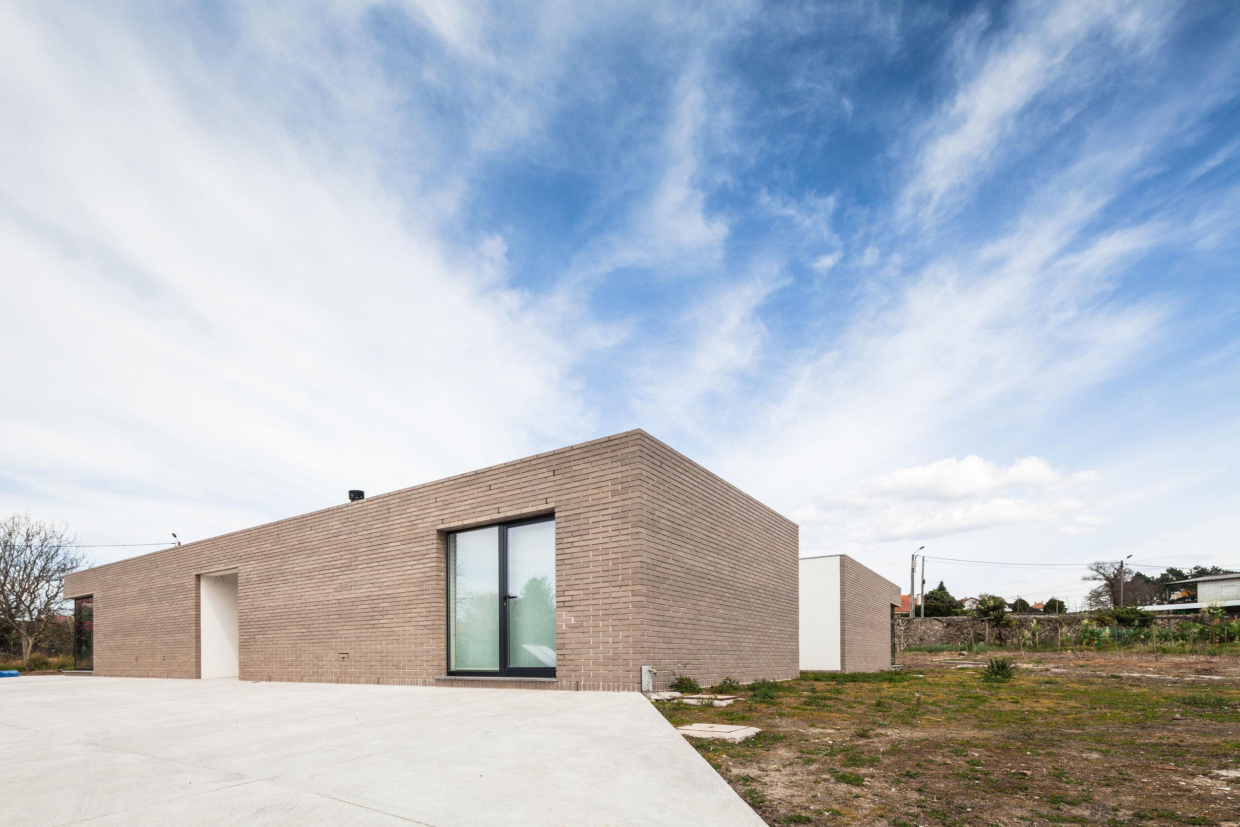 PROD_Open_patio_house_west_view.jpg