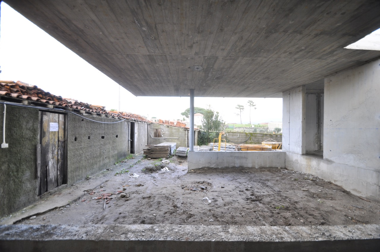 Esposende House Concrete garage.jpg