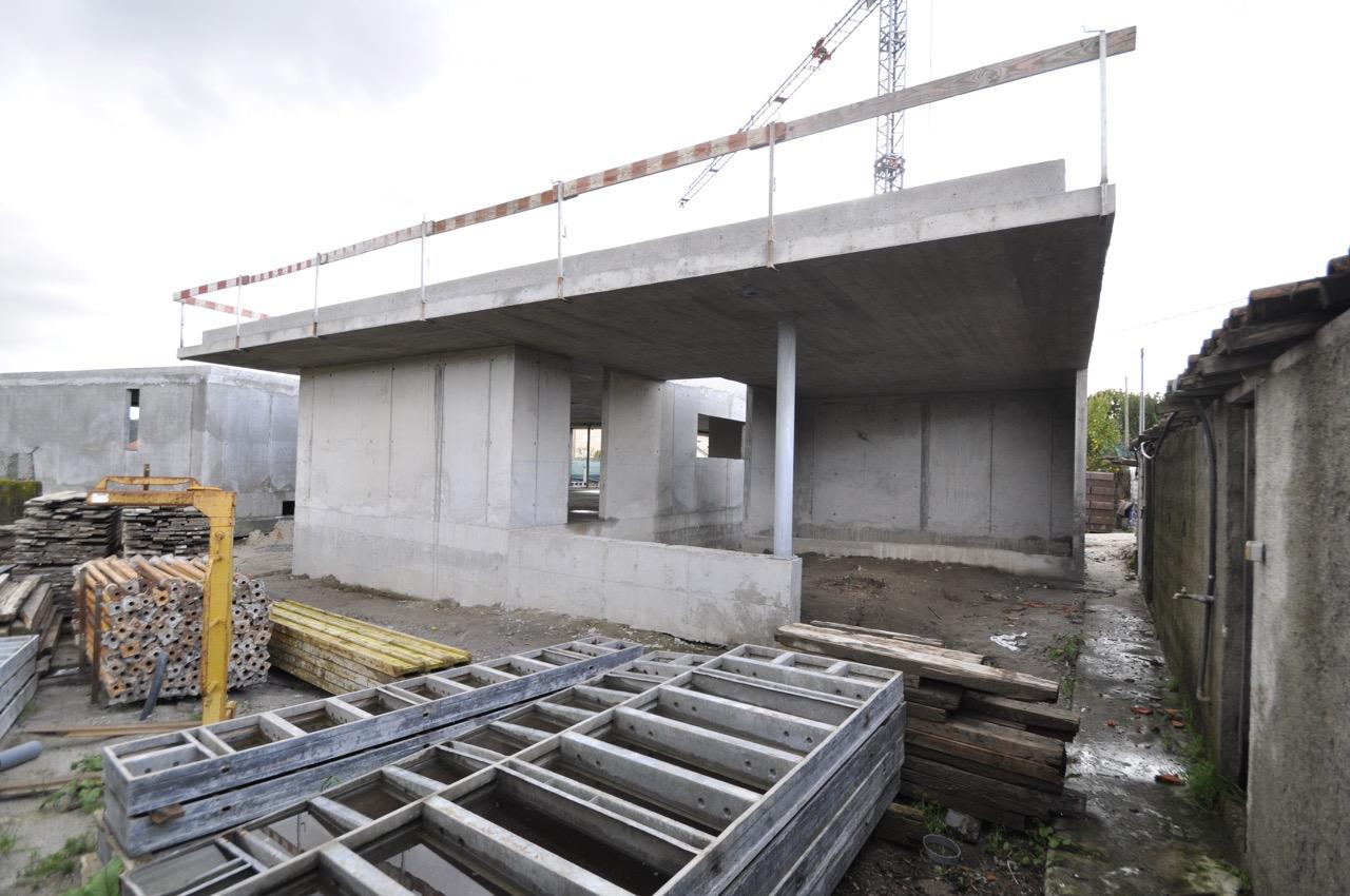 Esposende House Concrete garage 1.jpg