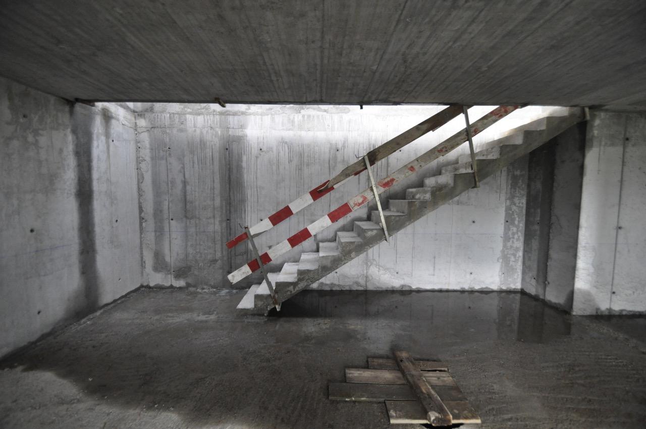 Esposende House Concrete stairs.jpg