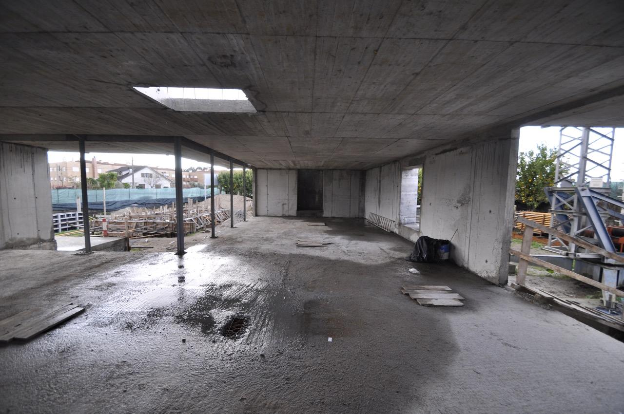 Esposende House Concrete livingroom interior .jpg