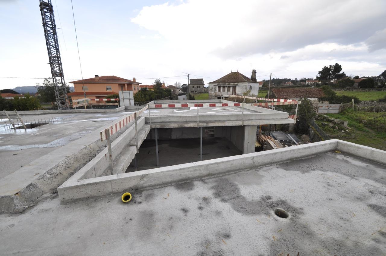 Esposende House Concrete rooftop 1.jpg