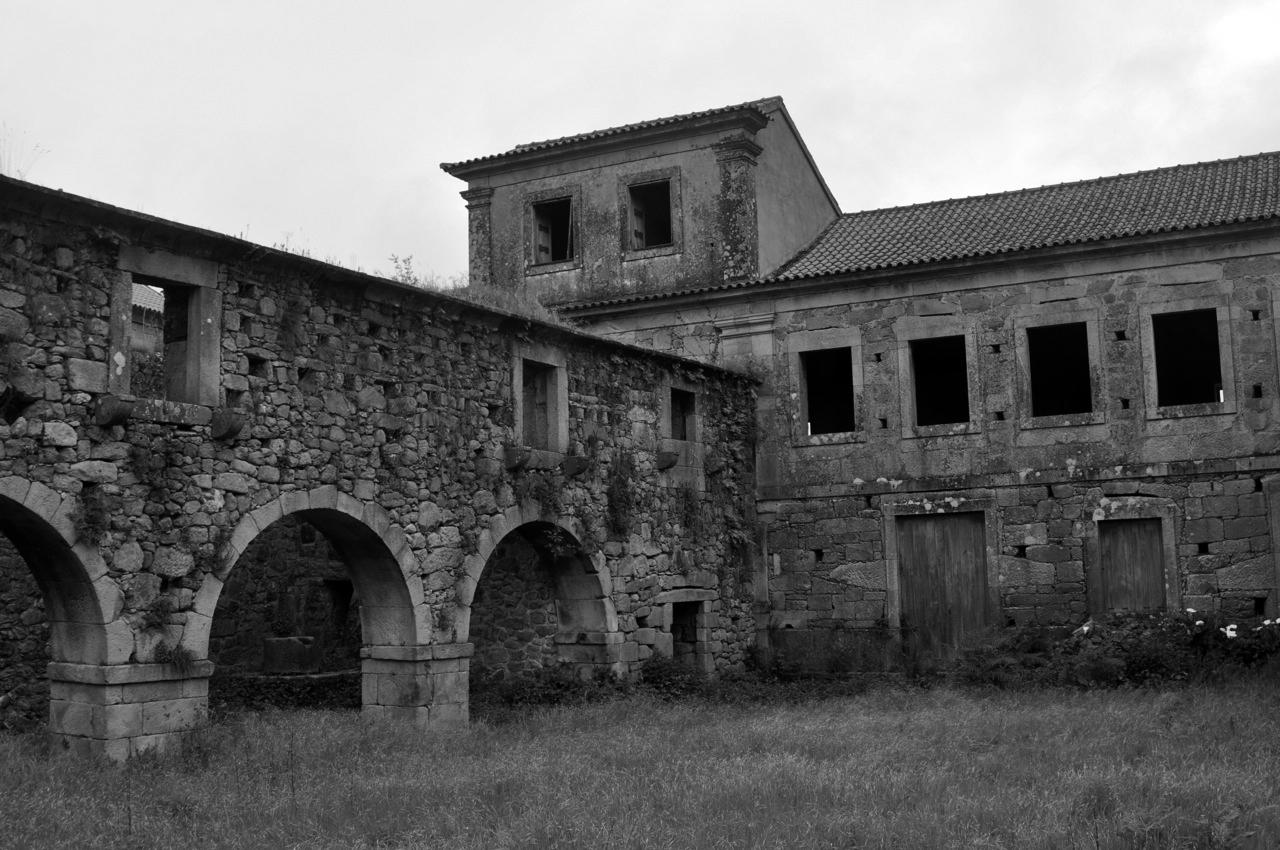 Longos_Vales_Monastery_PROD_Architecture_Cloister_View.jpg