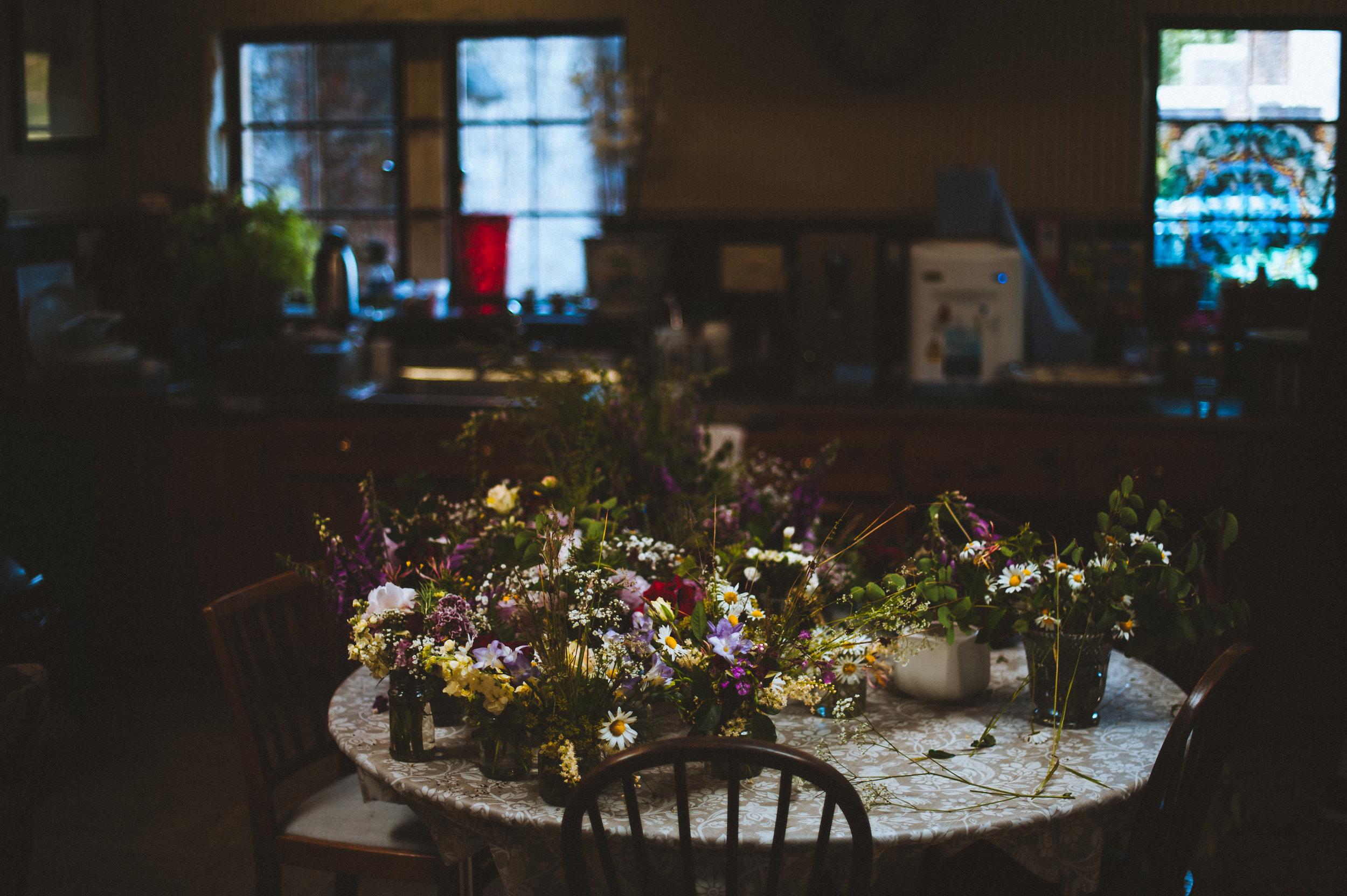 powderham castle wedding 09.jpg