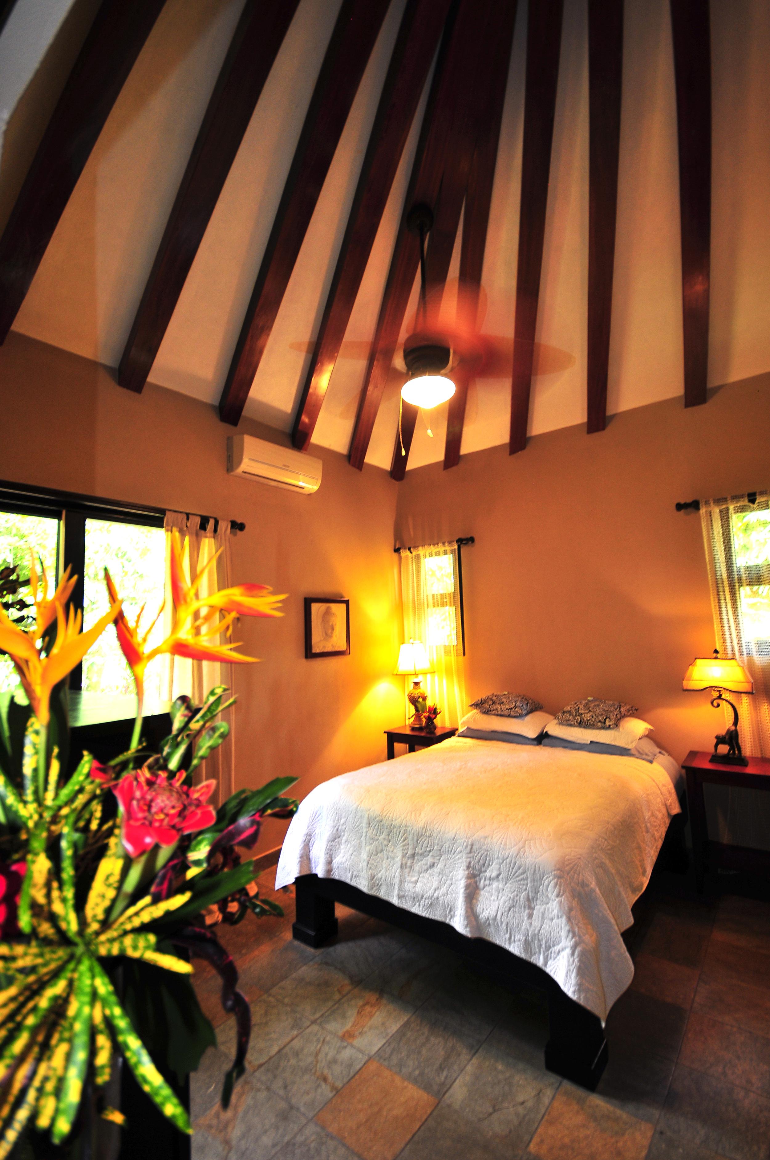Leighanne pics pagoda caribaea 008.jpg