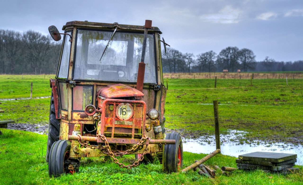 agriculture-farm-field-tractor-862487.jpeg