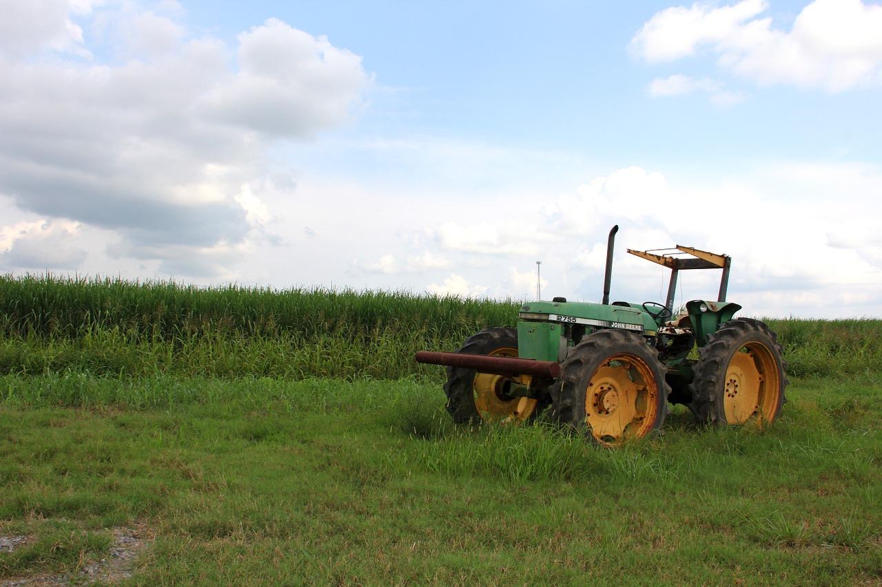 tractor-186332_1280.jpg