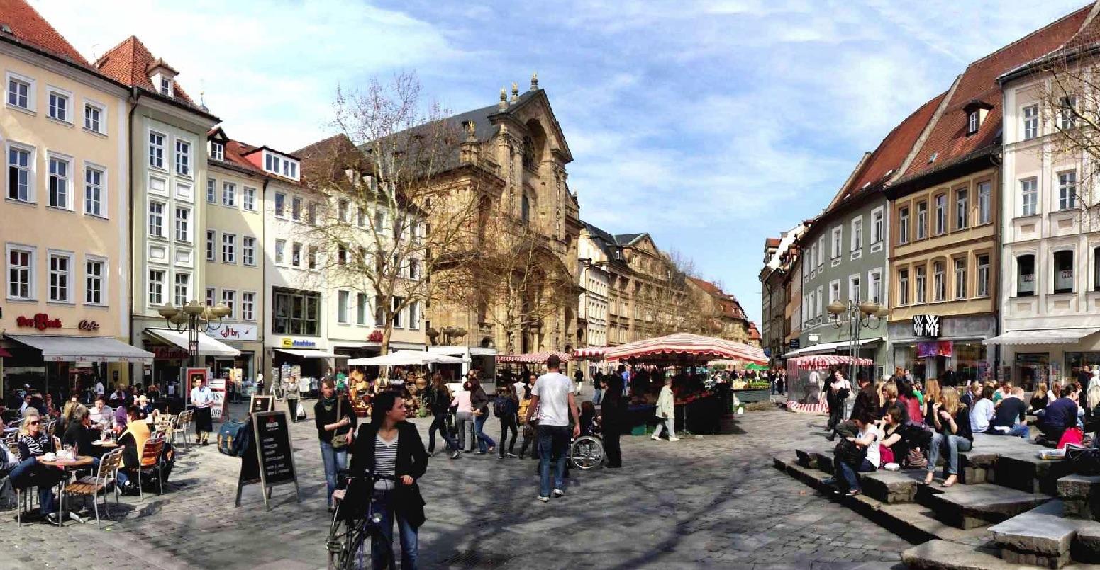 Grüner_Markt_Bamberg_Panorama.jpg