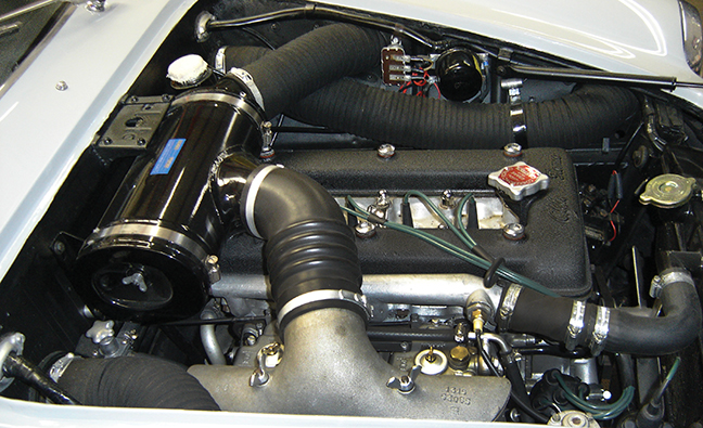 61-Alpha-Romeo-under-hood.jpg
